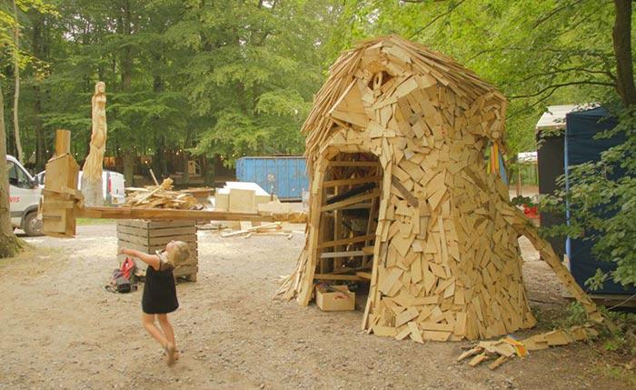 گروه اینترنتی پرشین استار | www.Persian-Star.org خلق مجسمه های چوبی از مواد بازیافتی خلق مجسمه های چوبی از مواد بازیافتی 0613