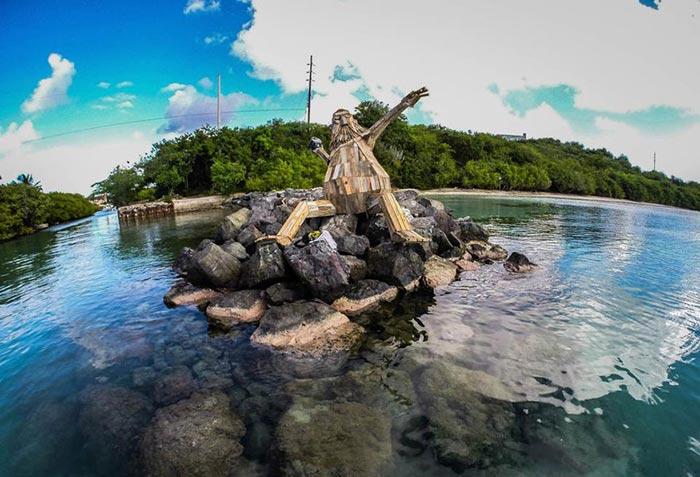 گروه اینترنتی پرشین استار | www.Persian-Star.org خلق مجسمه های چوبی از مواد بازیافتی خلق مجسمه های چوبی از مواد بازیافتی 0715