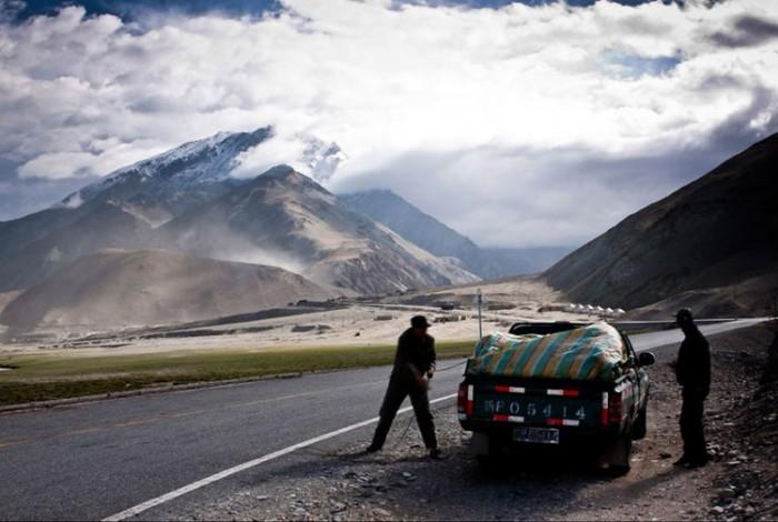 بزرگراه قراقروم پاکستان هیجان انگیزترین مسیرهای رانندگی در سراسر دنیا هیجان انگیزترین مسیرهای رانندگی در سراسر دنیا 10 Karakoram