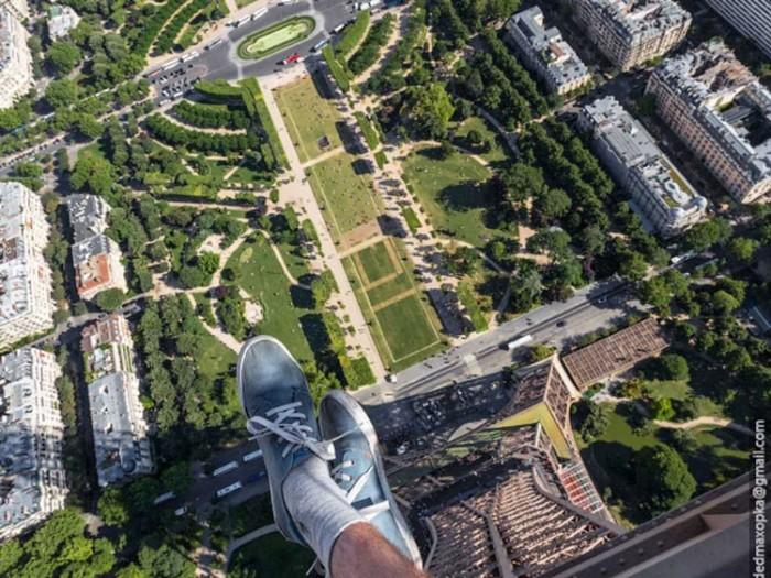 جاذبههای گردشگری فرانسه 1 عکسهای غیرقانونی ولی خیرهکننده از جاذبههای گردشگری جهان عکسهای غیرقانونی ولی خیرهکننده از جاذبههای گردشگری جهان 11 Eiffel Tower