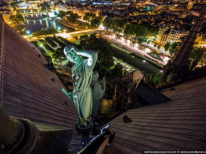 جاذبههای گردشگری فرانسه 2 عکسهای غیرقانونی ولی خیرهکننده از جاذبههای گردشگری جهان عکسهای غیرقانونی ولی خیرهکننده از جاذبههای گردشگری جهان 12 Notre Dame Paris