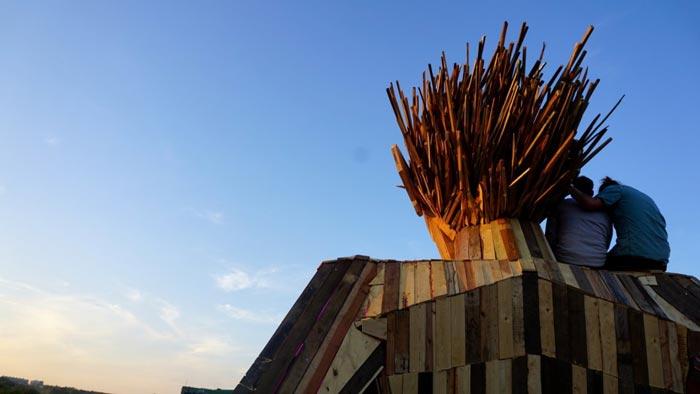 گروه اینترنتی پرشین استار | www.Persian-Star.net خلق مجسمه های چوبی از مواد بازیافتی خلق مجسمه های چوبی از مواد بازیافتی 12241