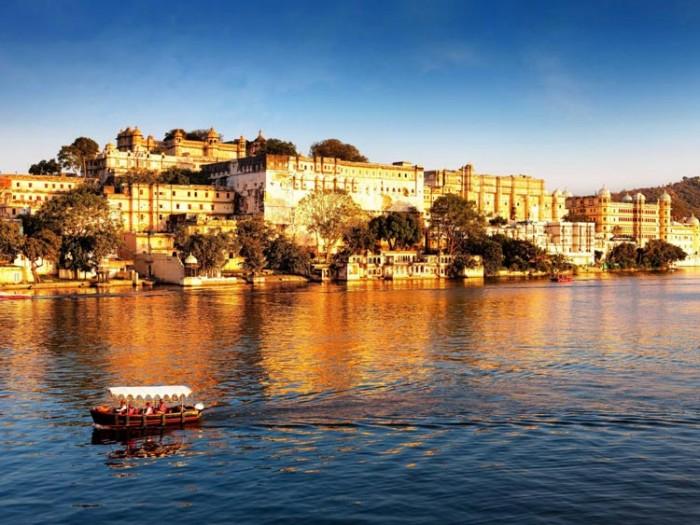شهر اودیپور هندوستان عکسهایی چشمنواز و زیبا که بیننده را به بازدید از هندوستان ترغیب میکنند عکسهایی چشمنواز و زیبا که بیننده را به بازدید از هندوستان ترغیب میکنند 14 city palace