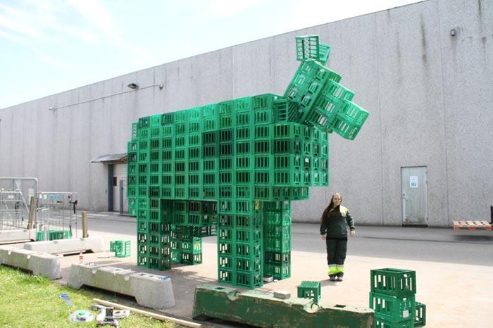 گروه اینترنتی پرشین استار | www.Persian-Star.org خلق مجسمه های چوبی از مواد بازیافتی خلق مجسمه های چوبی از مواد بازیافتی 14181