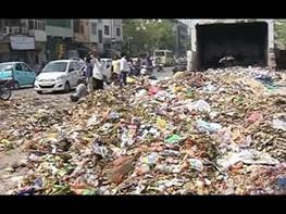 زبالههایی که سیاسی شدند زبالههایی که سیاسی شدند 15 8 26 18360