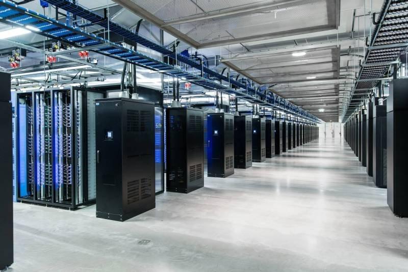 مغز فیس بوک؛ مکانی که عکس و دیتای 1.4 میلیارد کاربر فعال در آنجا ذخیره و مدیریت میشود را ببینید مغز فیس بوک؛ مکانی که عکس و دیتای 1.4 میلیارد کاربر فعال در آنجا ذخیره و مدیریت میشود را ببینید 15 9 20 2336295