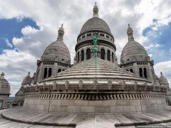 جاذبههای گردشگری فرانسه 3 عکسهای غیرقانونی ولی خیرهکننده از جاذبههای گردشگری جهان عکسهای غیرقانونی ولی خیرهکننده از جاذبههای گردشگری جهان 15 Montmartre Paris