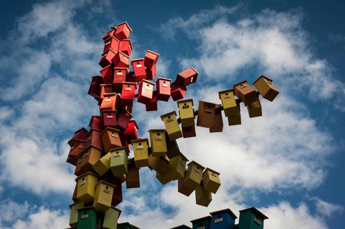 گروه اینترنتی پرشین استار | www.Persian-Star.org خلق مجسمه های چوبی از مواد بازیافتی خلق مجسمه های چوبی از مواد بازیافتی 15161