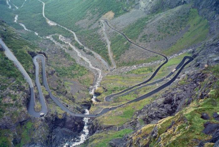 ترولاشتیگن نروژ هیجان انگیزترین مسیرهای رانندگی در سراسر دنیا هیجان انگیزترین مسیرهای رانندگی در سراسر دنیا 19 Trollstigen