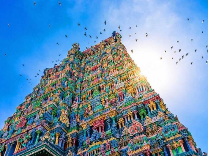 معبد میناکشی هندوستان عکسهایی چشمنواز و زیبا که بیننده را به بازدید از هندوستان ترغیب میکنند عکسهایی چشمنواز و زیبا که بیننده را به بازدید از هندوستان ترغیب میکنند 2 meenakshi temple