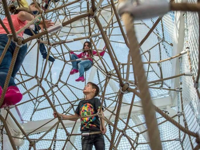 Swarovski Crystal Worlds در این پارکها به دنیای کودکیتان برگردید! در این پارکها به دنیای کودکیتان برگردید! 2021