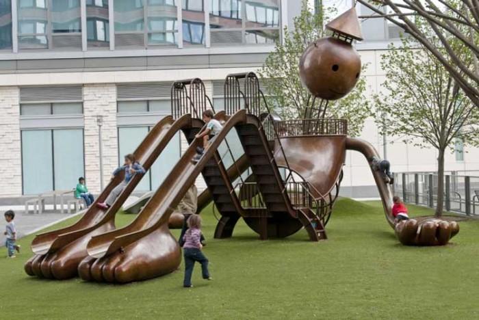 Silver Towers Playground در این پارکها به دنیای کودکیتان برگردید! در این پارکها به دنیای کودکیتان برگردید! 205
