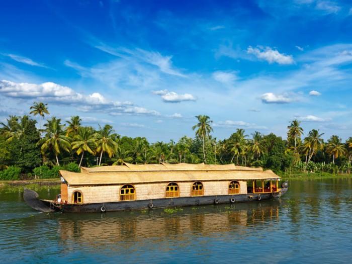 تالاب کرالا هندوستان عکسهایی چشمنواز و زیبا که بیننده را به بازدید از هندوستان ترغیب میکنند عکسهایی چشمنواز و زیبا که بیننده را به بازدید از هندوستان ترغیب میکنند 23 backwaters kerala