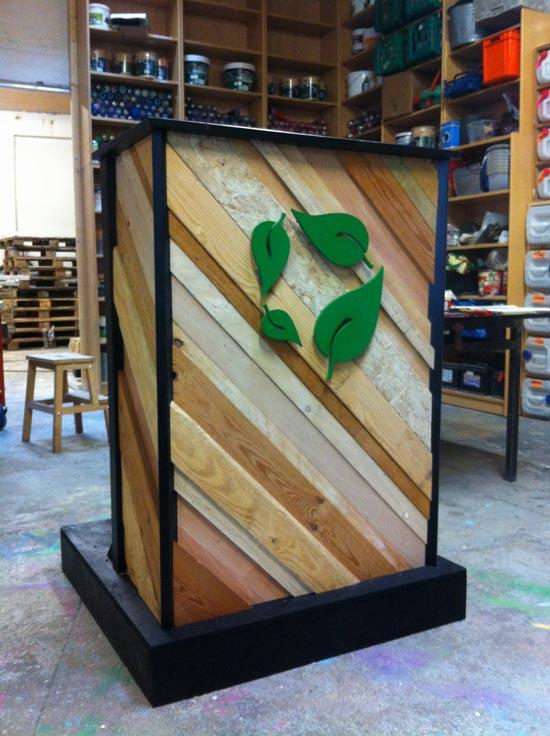 گروه اینترنتـی پرشین استار | www.Persian-Star.org خلق مجسمه های چوبی از مواد بازیافتی خلق مجسمه های چوبی از مواد بازیافتی 2571
