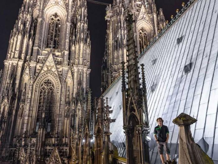 جاذبههای گردشگری آلمان 1 عکسهای غیرقانونی ولی خیرهکننده از جاذبههای گردشگری جهان عکسهای غیرقانونی ولی خیرهکننده از جاذبههای گردشگری جهان 4 Cologne Cathedral