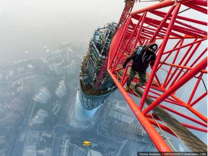 جاذبههای گردشگری چین عکسهای غیرقانونی ولی خیرهکننده از جاذبههای گردشگری جهان عکسهای غیرقانونی ولی خیرهکننده از جاذبههای گردشگری جهان 5 Shanghai Tower
