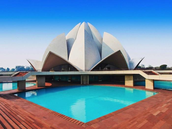 معبد نیلوفر هندوستان عکسهایی چشمنواز و زیبا که بیننده را به بازدید از هندوستان ترغیب میکنند عکسهایی چشمنواز و زیبا که بیننده را به بازدید از هندوستان ترغیب میکنند 6 lotus temple indias