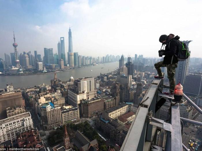 جاذبههای گردشگری چین 2 عکسهای غیرقانونی ولی خیرهکننده از جاذبههای گردشگری جهان عکسهای غیرقانونی ولی خیرهکننده از جاذبههای گردشگری جهان 7 Shanghai Tower