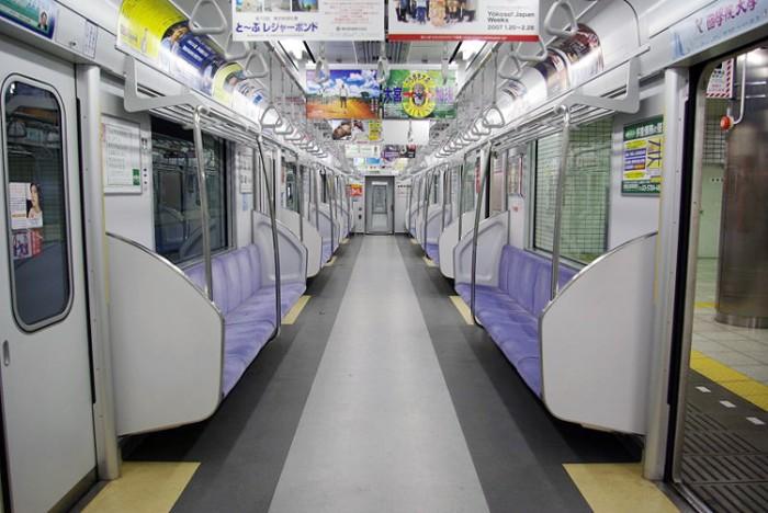 800px-Tobu-50050-interior بزرگترین شبکه های مترو جهان بزرگترین شبکه های مترو جهان 800px Tobu 50050 interior