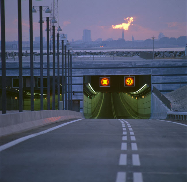 9-13-2015 5-16-07 PM پل شگفتانگیز وصل کننده دانمارک و سوئد پل شگفتانگیز وصل کننده دانمارک و سوئد 9 13 2015 5 16 07 PM