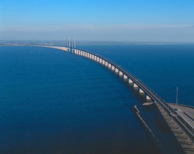 9-13-2015 5-16-31 PM پل شگفتانگیز وصل کننده دانمارک و سوئد پل شگفتانگیز وصل کننده دانمارک و سوئد 9 13 2015 5 16 31 PM