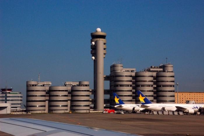 Haneda International Airport شلوغ ترین فرودگاههای جهان شلوغ ترین فرودگاههای جهان HND Airport Office Building 1