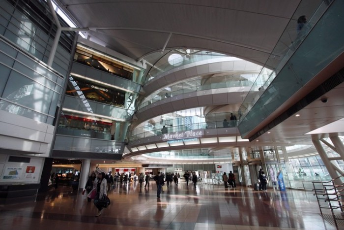Haneda International Airport شلوغ ترین فرودگاههای جهان شلوغ ترین فرودگاههای جهان Haneda Airport Terminal2 MarketPlace