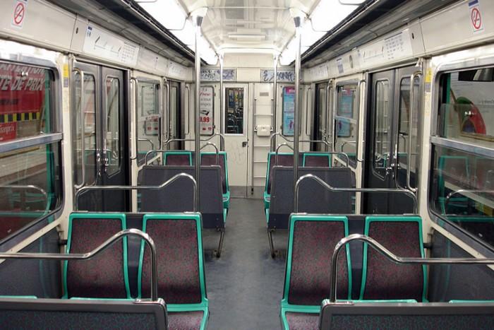 Metro_de_Paris_-_Ligne_3_bis_-_Interieur_MF_67_-_01 بزرگترین شبکه های مترو جهان بزرگترین شبکه های مترو جهان Metro de Paris   Ligne 3 bis   Interieur MF 67   01