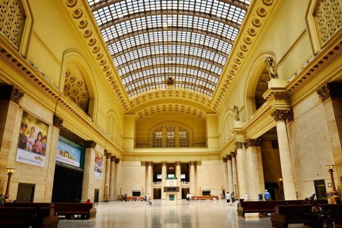 union-station-chicago ۱۰ ایستگاه قطار زیبای جهان ۱۰ ایستگاه قطار زیبای جهان union station chicago