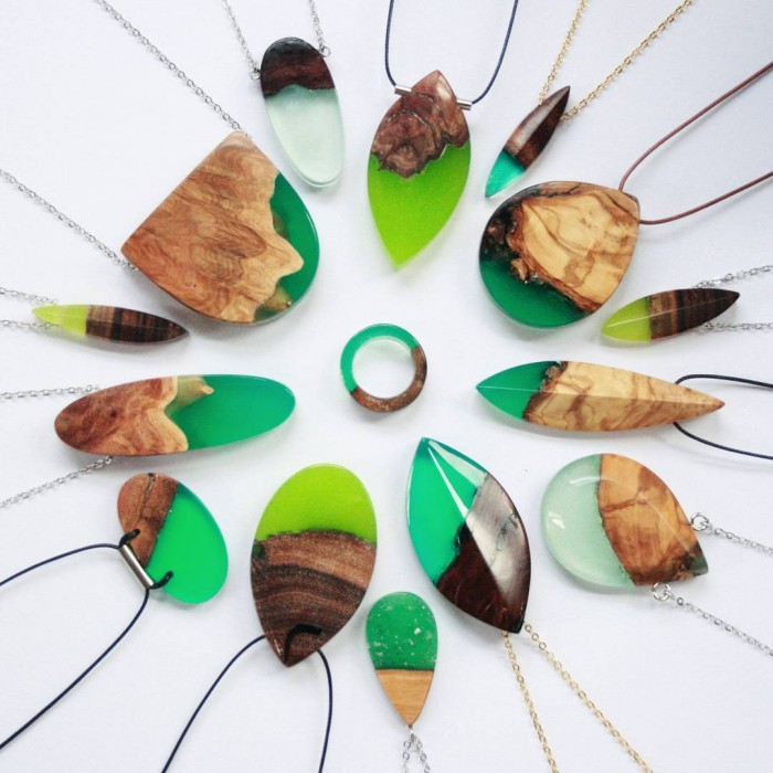 wood-jewelry-resin-boldb-britta-boeckmann-19 تبدیل چوب های قدیمی به جواهرات زیبا تبدیل چوب های قدیمی به جواهرات زیبا wood jewelry resin boldb britta boeckmann 19