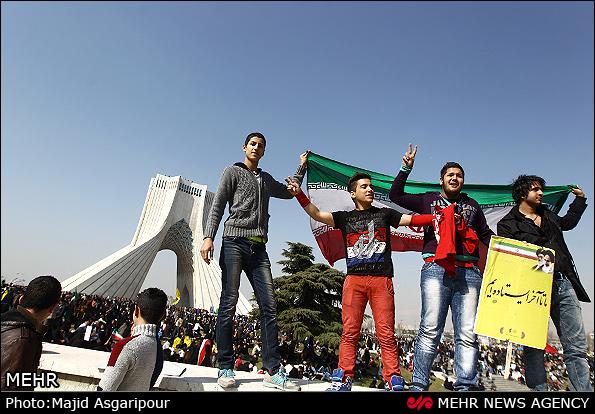 9rwgs7qlb6qaiauao09  حاشیه های راهپیمایی 22 بهمن +عکس 9rwgs7qlb6qaiauao09